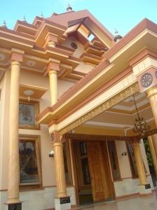 salah satu bangunan pada vihara