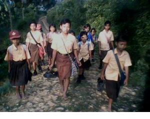 Anak-anak Singotoko yang tetap semangat ditengah keterbatasan