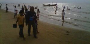 Suasana Pantai Caruban, Foto: Kompas