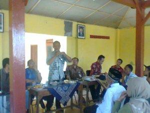Rapat mambahas ABT Desa Sumbersari Kecamatan Kragan